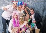 tn_IMG_5678, fotozabawa, zabawa na wesele, śmieszne zdjęcia, zabawa w przebieranie, fotograf Warszawa