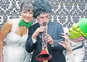 tn_kIMG_7896, fotozabawa, zabawa na wesele, śmieszne zdjęcia, zabawa w przebieranie
