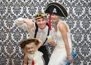 tn_kIMG_7910, fotozabawa, zabawa na wesele, śmieszne zdjęcia, zabawa w przebieranie