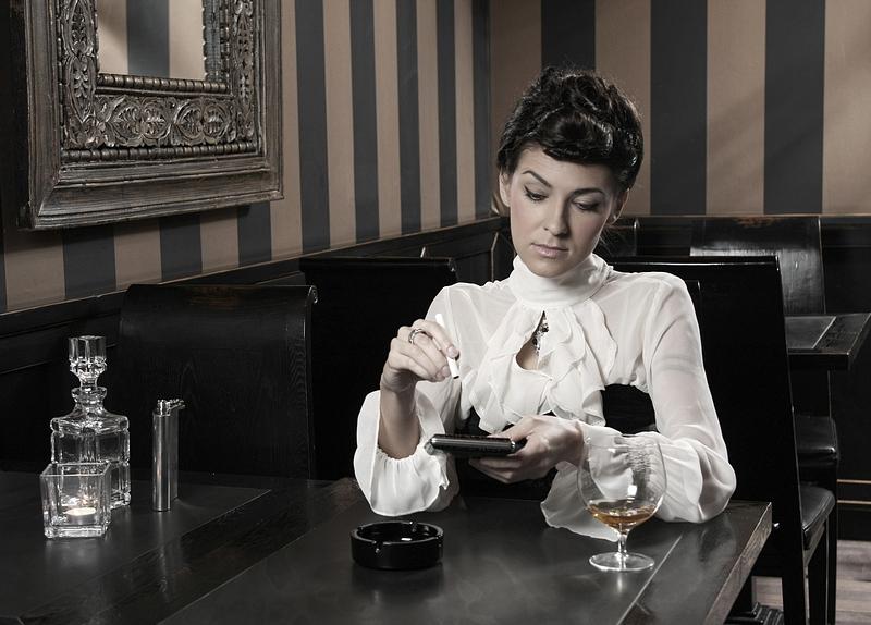 Ania w sesji w Almi Cafe & Restaurant