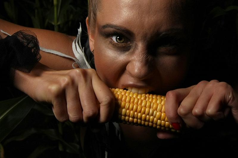 EXCLUSIVE – Magda w kukurydzianym buszu