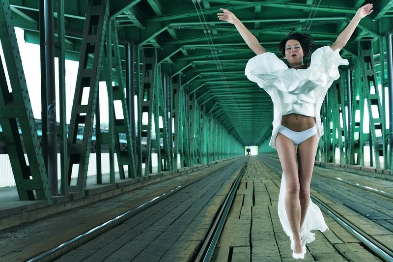 Panna Młoda na moście