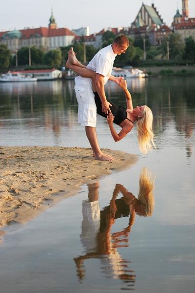 Edyta i Sebastian w gorącej sesji na plaży