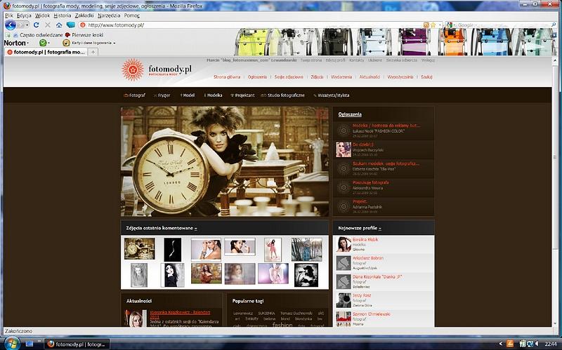 Zdjęcia Ani z zegarem wyróżnione na stronie głównej www.fotomody.pl