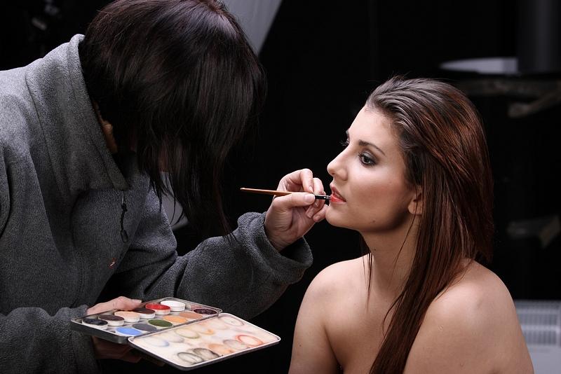 backstage sesji - maluje Ania Piechocka
